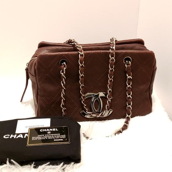 d71e71a4d9bd CHANEL Handbags - 100% Auth CHANEL Brown Shoulder Bag